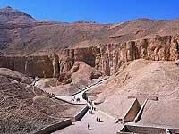Луксор. гробница фараона Херемхеба.